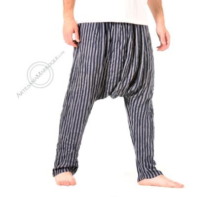 Pantalón cagado de color azul