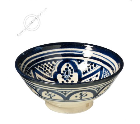 Bowl 15 cms blue and white