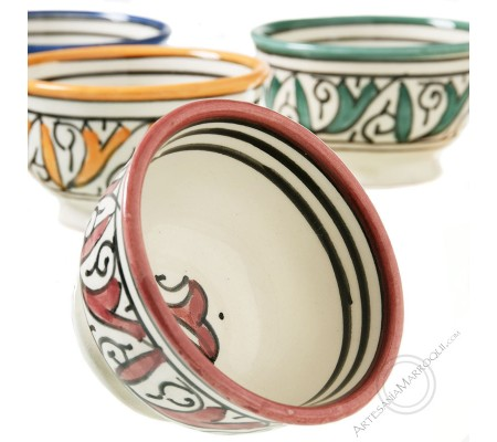 Small bowls of assorted colors