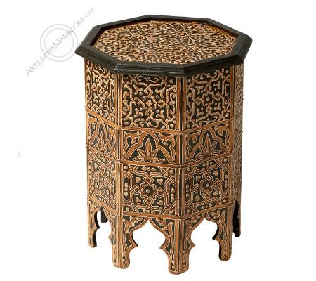 Mesa octogonal con dibujos de henna