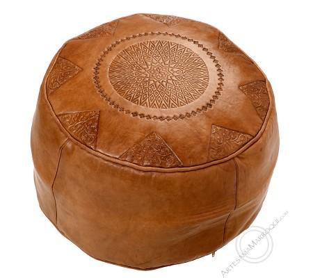 Plain camel leather pouf