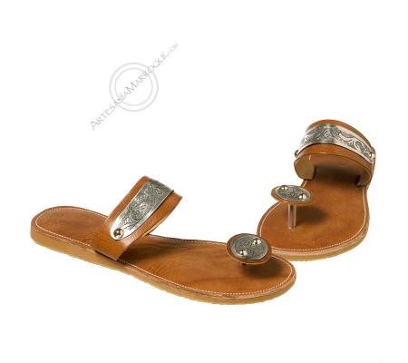 Brooch sandal