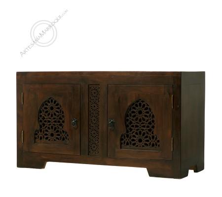 Mueble bajo de madera de cedro