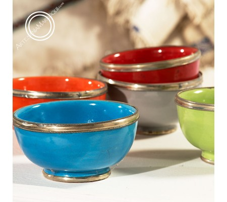 Decorated colored bowls