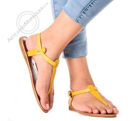 Sandalia de cuero de tira amarilla