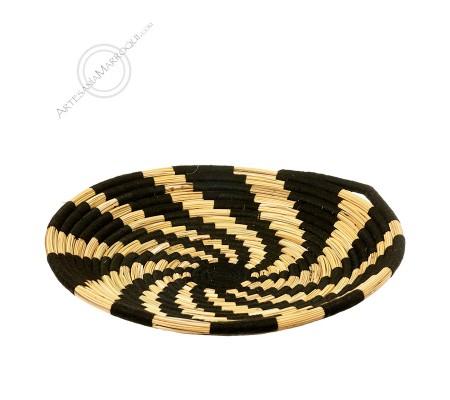 Breadbasket with black thread
